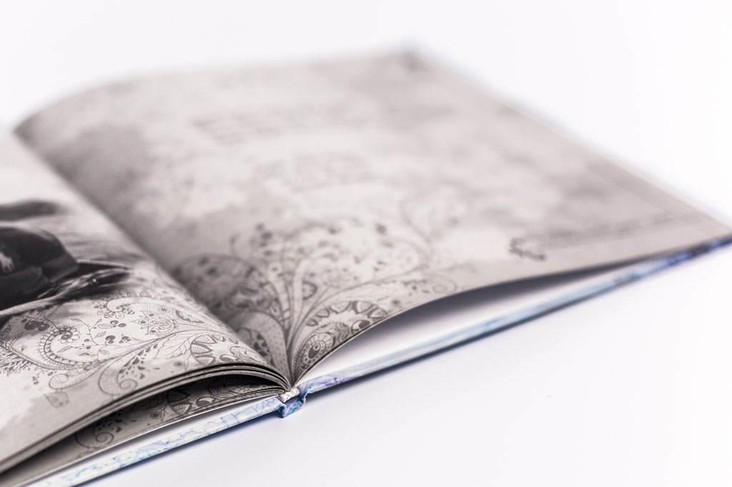 Оформление книги-альбома Лабиринты души