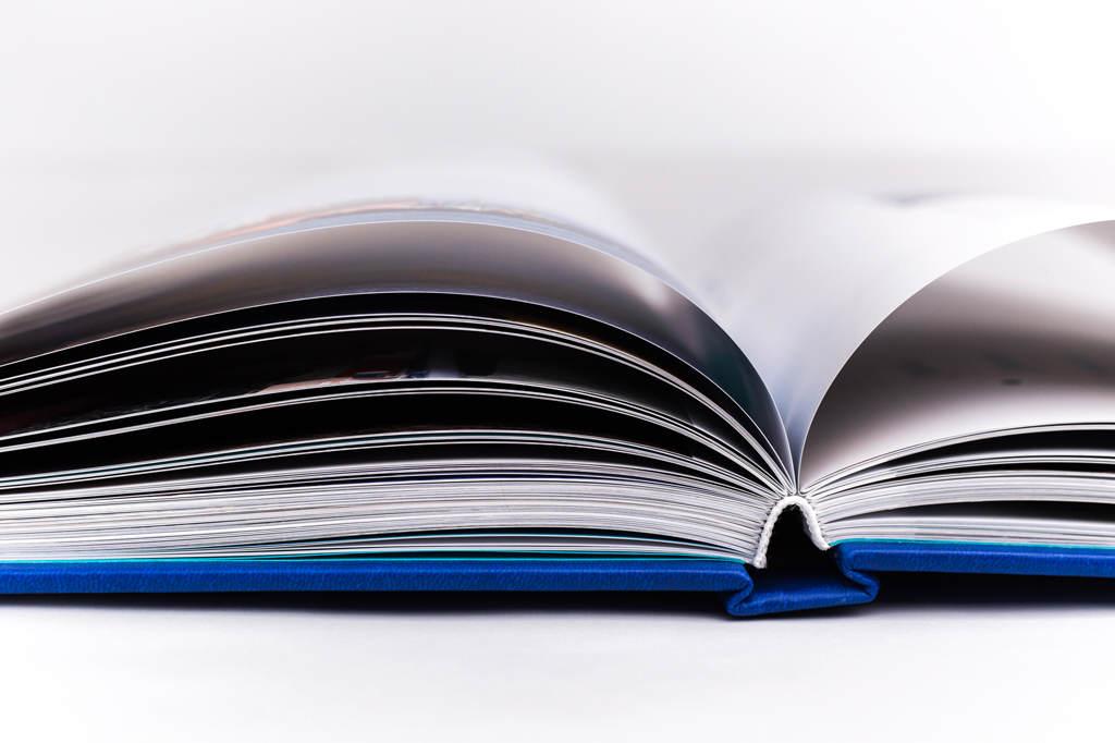 Переплет подарочной книги к юбилею предприятия Росморпорт