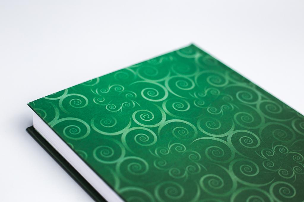 Дизайн оборота обложки книги Магнитогорская история автора Дернин В.М.