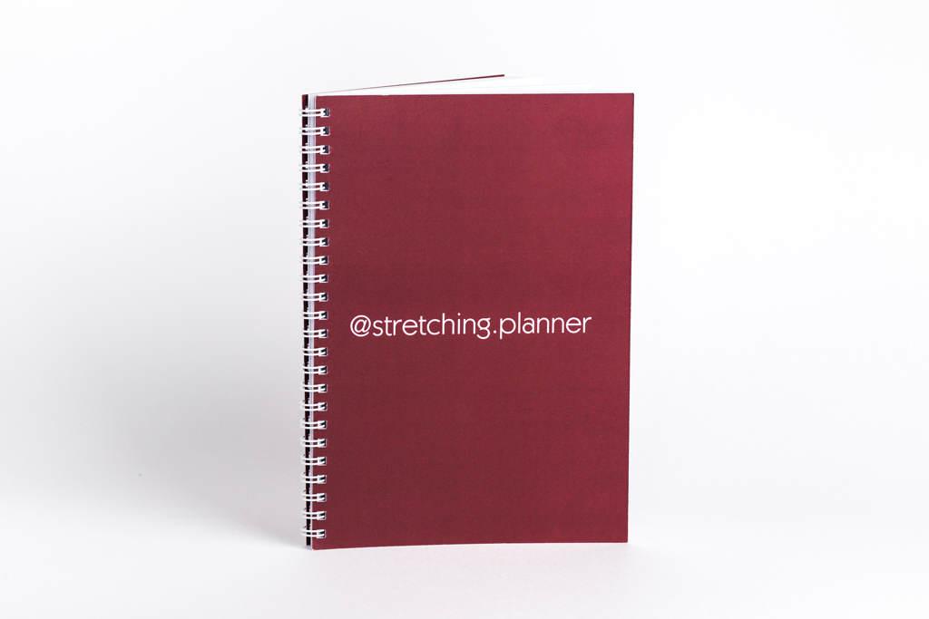 Оформление обложки в бордовом цвете stretching.planner