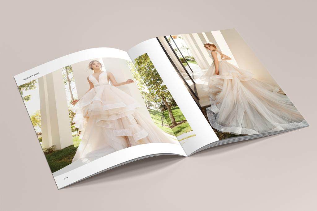 Оформление разворота каталога продукции свадебных платьев